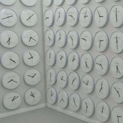 montres murales fuseaux horaires ville du monde
