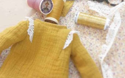 Prêt-à-porter pour poupées : Le Canari Rose